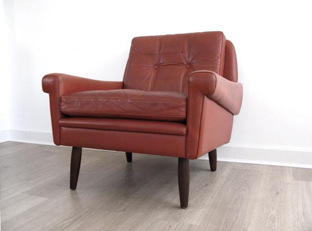 A danish leather skipper chair for 60 s retro furniture