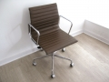 EA117 leather Eames Vitra chair